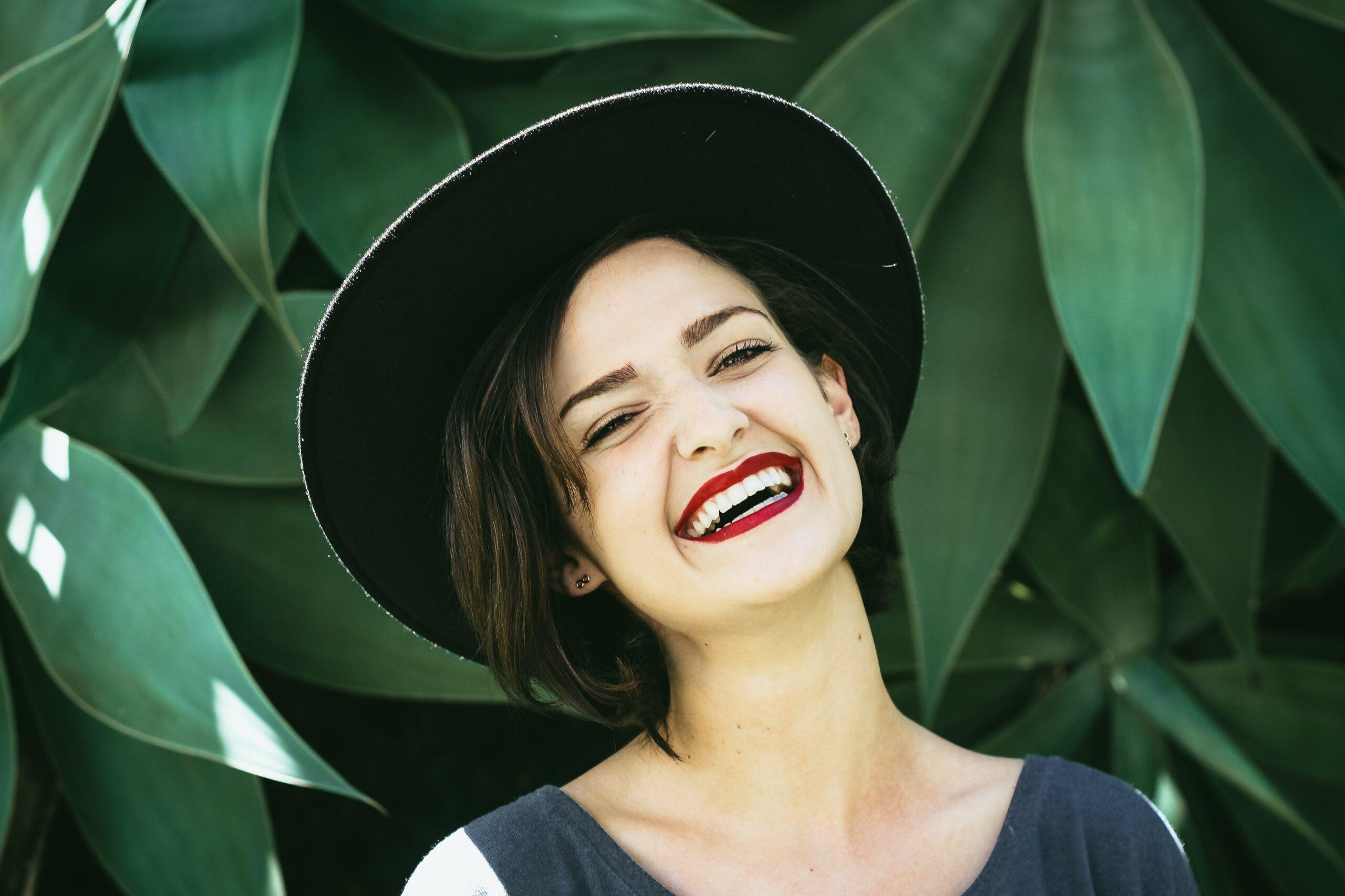 Wosk ortodontyczny pomaga zniwelować dyskomfort spowodowany przez zamki aparatu